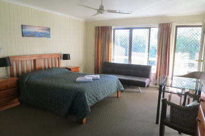 urangan holiday villas